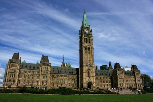 Ottawa: Parliament Hill is the perfect place for an afternoon picnic.
